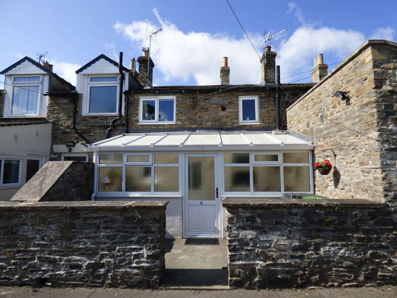 3 Bedrooms Terraced House for sale in 6 Richmond Terrace, Leyburn