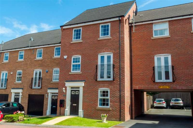 4 Bedrooms Semi Detached House for sale in Edward Close, Pudsey, LS28