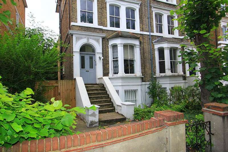 2 Bedrooms Flat for sale in Queens Drive, Stoke Newington, London, N4