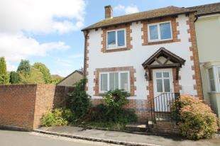 3 Bedrooms End Of Terrace House for sale in Barlavington Way, Midhurst, West Sussex