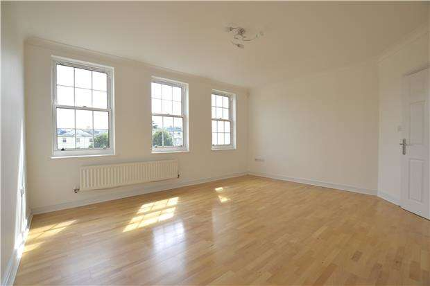 2 Bedrooms Flat for sale in Horstmann Close, BATH, Somerset, BA1 3NZ