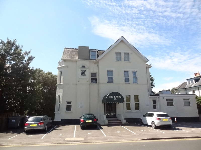 1 Bedroom Flat for sale in Boscombe Chine Gardens