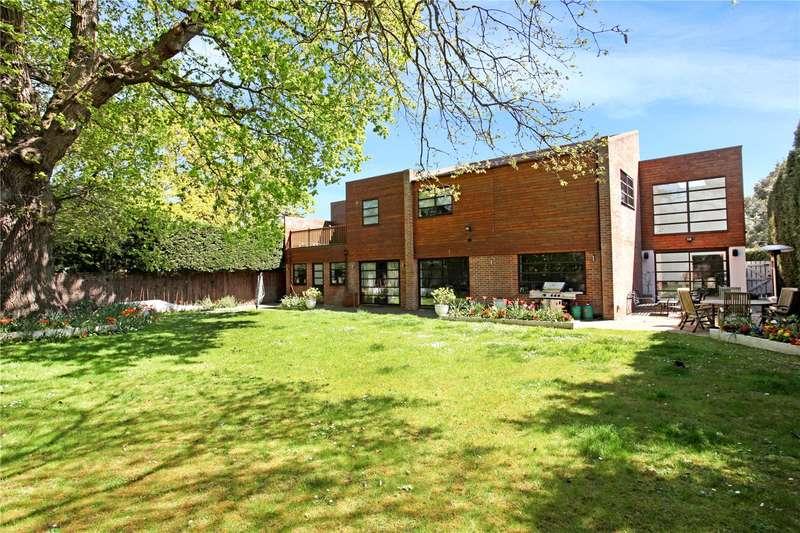 5 Bedrooms Detached House for sale in Chestnut Drive, Windsor, Berkshire, SL4