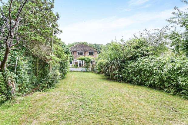 5 Bedrooms Detached House for sale in Bookham, Leatherhead, Surrey