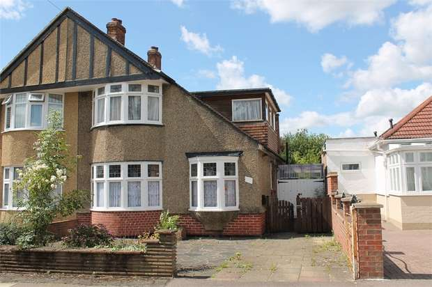 4 Bedrooms Terraced Bungalow for sale in Borrowdale Avenue, Harrow, Middlesex