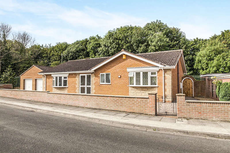 2 Bedrooms Detached Bungalow for sale in Carron Grove, Middlesbrough, TS6