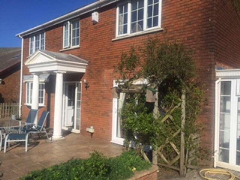 4 Bedrooms Detached House for sale in Maes Newydd Aberfields View, Nantymoel, Bridgend. CF32 7SJ