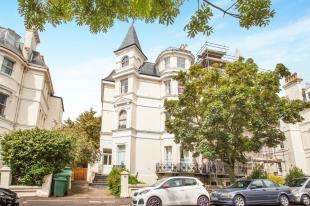 1 Bedroom Flat for sale in Clifton Crescent, Folkestone, Kent, England