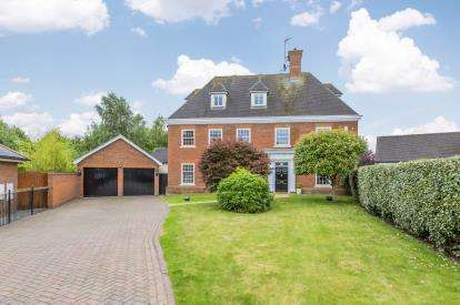 Detached House for sale in Edenbridge Close, Weston, Cheshire