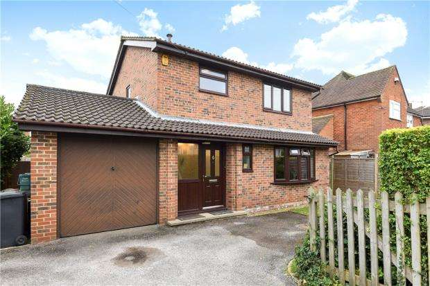 3 Bedrooms Detached House for sale in Elmside, Guildford, Surrey
