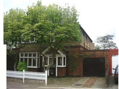 2 Bedrooms Flat for sale in Spencer Road, Harrow Weald