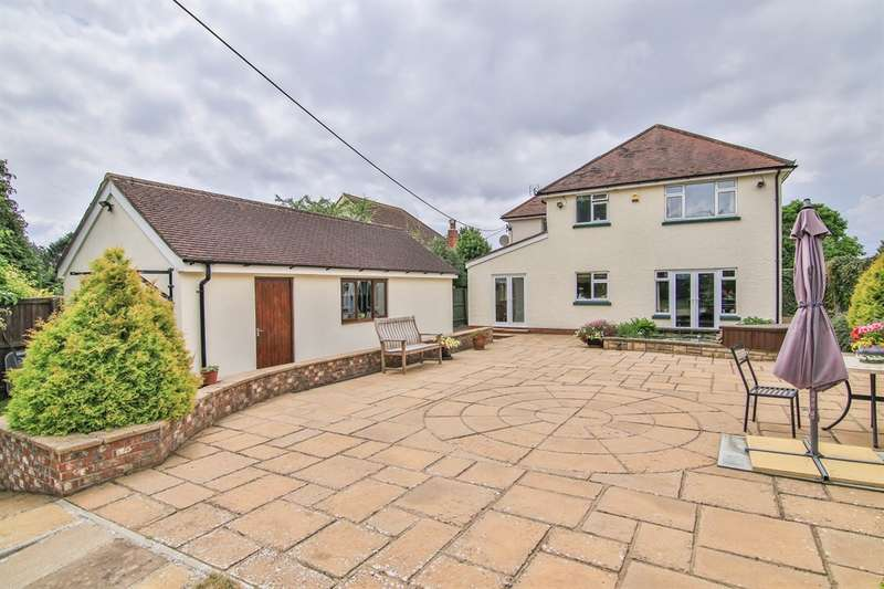 4 Bedrooms Detached House for sale in St Lawrence Road, Chepstow