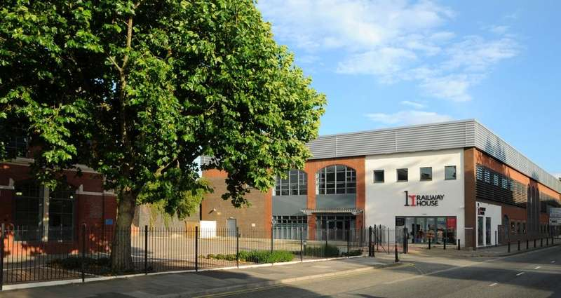 Office Commercial for rent in RAILWAY HOUSE, Bruton Way, Gloucester