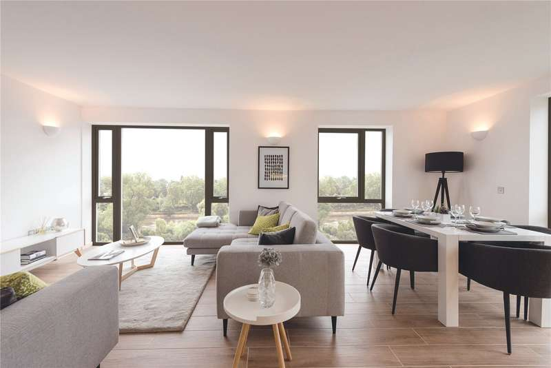 3 Bedrooms Flat for sale in High Street, Brentford, TW8