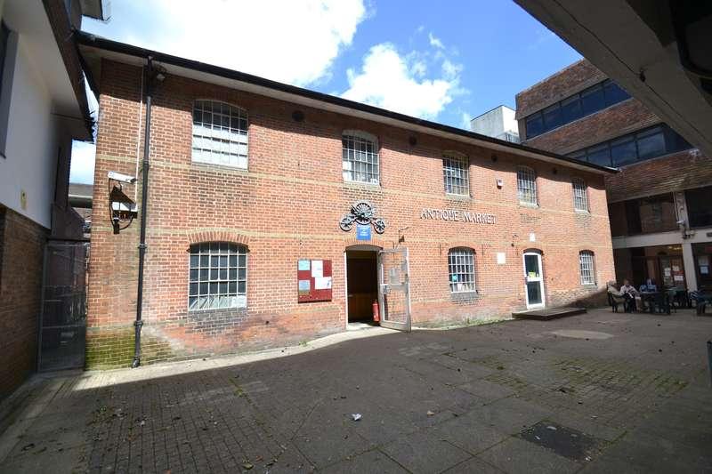 Shop Commercial for rent in Former Antiques Market, 15 Kings Walk, Winchester, SO23 8AF