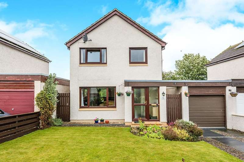 3 Bedrooms Semi Detached House for sale in Whitehills, Alness, IV17