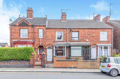 2 Bedrooms Terraced House for sale in London Road, Chesterton, Newcastle, Staffordshire