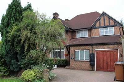 5 Bedrooms Detached House for sale in High Road, Harrow Weald
