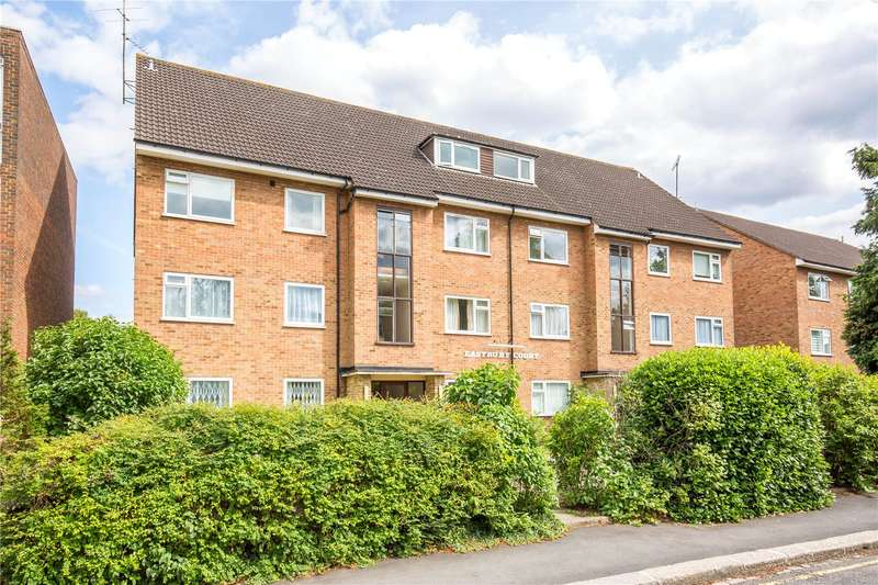 2 Bedrooms Apartment Flat for sale in Eastbury Court, 37 Lyonsdown Road, New Barnet, Hertfordshire, EN5