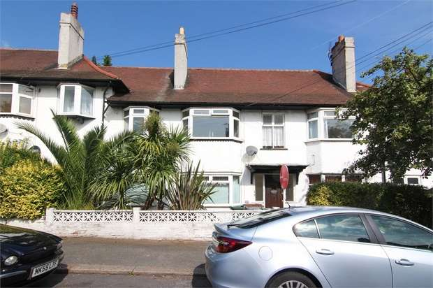 3 Bedrooms Flat for sale in Manor Road, Walthamstow, London