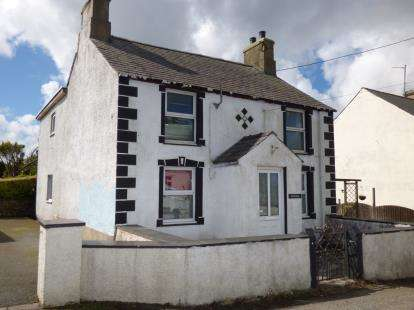 3 Bedrooms Detached House for sale in Penysarn, Anglesey, North Wales, United Kingdom, LL69