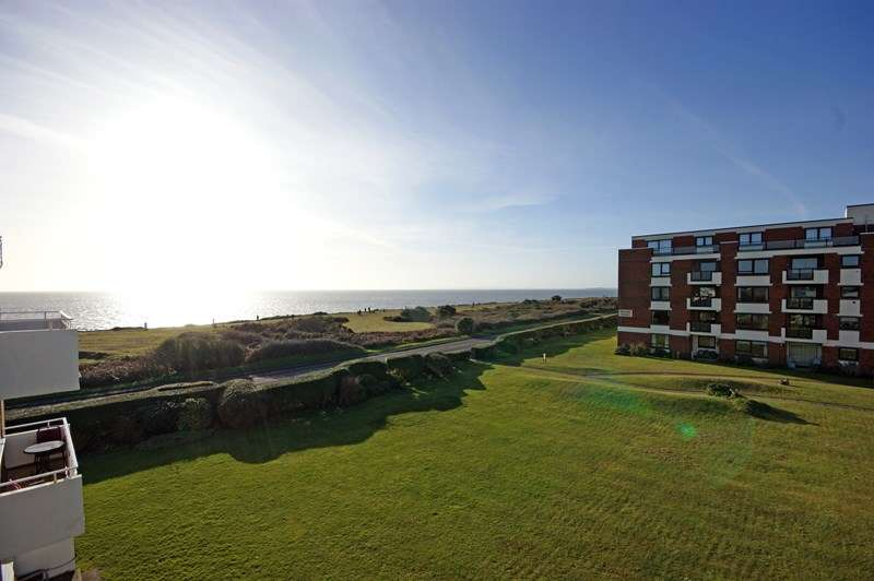 2 Bedrooms Flat for sale in Victoria Road, Milford On Sea, Lymington