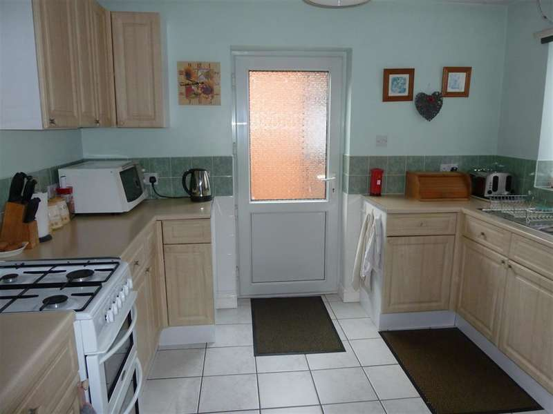 3 Bedrooms End Of Terrace House for sale in Parliament Road, Middlesbrough, TS1 4JB