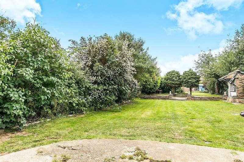 4 Bedrooms Semi Detached House for sale in Hollingbourne Avenue, Bexleyheath, DA7