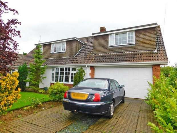 4 Bedrooms Detached Bungalow for sale in Pelham Avenue, Grimsby, Lincolnshire