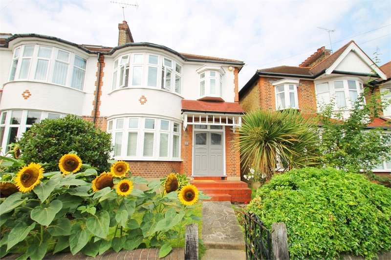 3 Bedrooms Semi Detached House for sale in Cheyne Walk, N21