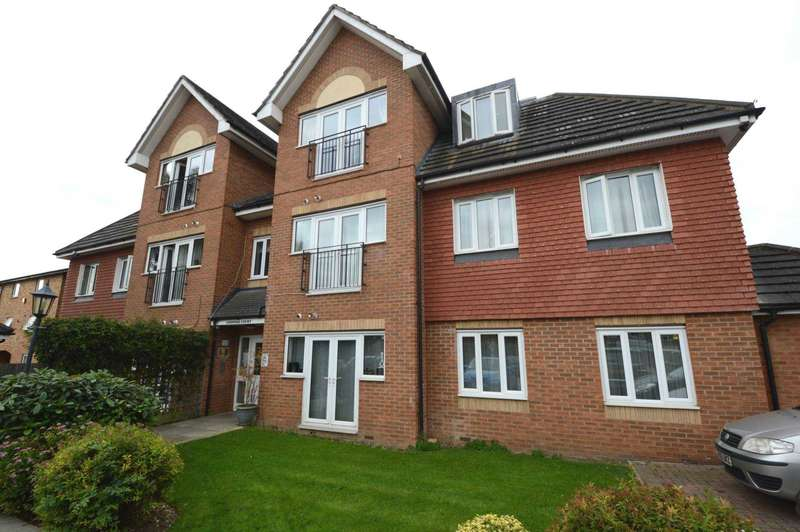 2 Bedrooms Apartment Flat for sale in Turners Close, London