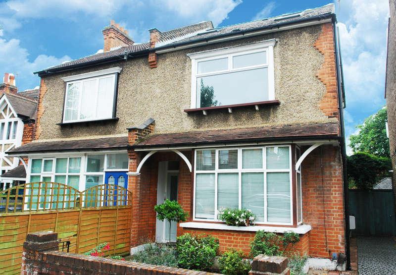 2 Bedrooms Flat for sale in Ellerton Road, Surbiton