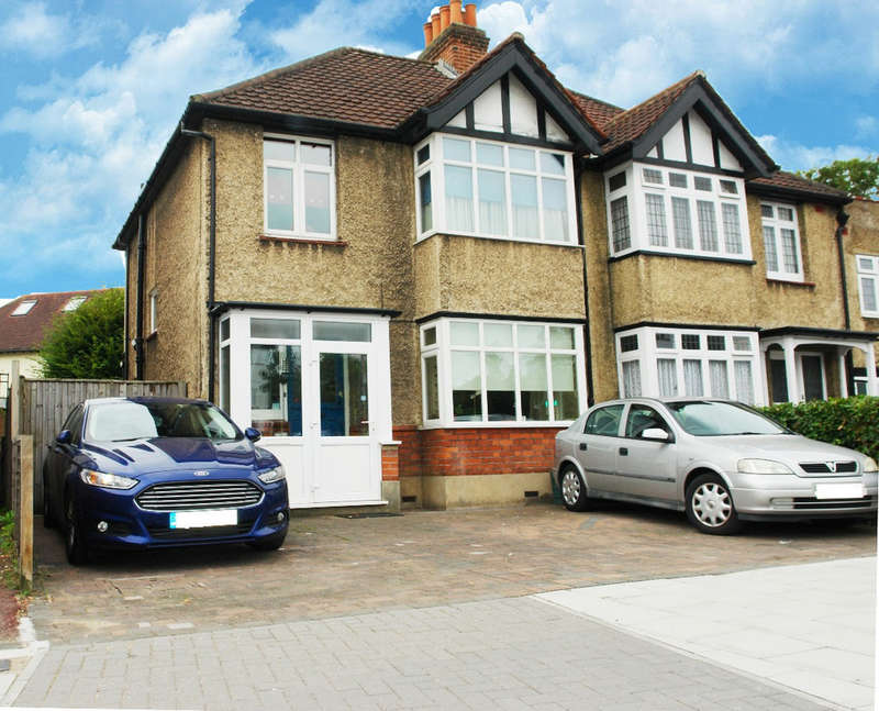 3 Bedrooms Semi Detached House for sale in Kingsdowne Road, Surbiton