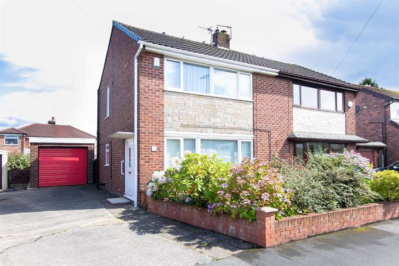 3 Bedrooms Semi Detached House for sale in Gilda Road, Worsley, Manchester, M28 1BA