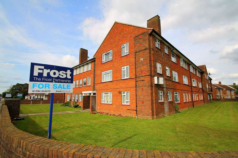 3 Bedrooms Flat for sale in Convent Road, Ashford, TW15