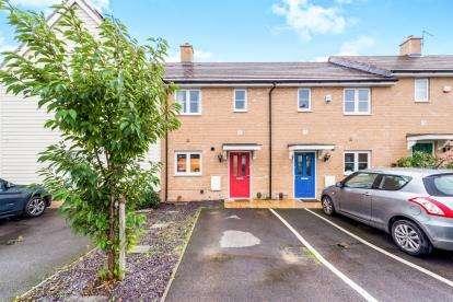 2 Bedrooms Terraced House for sale in Noak Hill, Romford, Essex