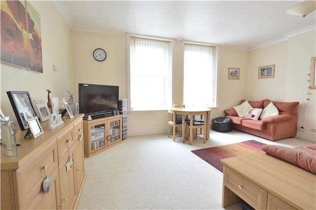 2 Bedrooms Flat for sale in Chapel Park Road, ST LEONARDS-ON-SEA, East Sussex, TN37 6HU