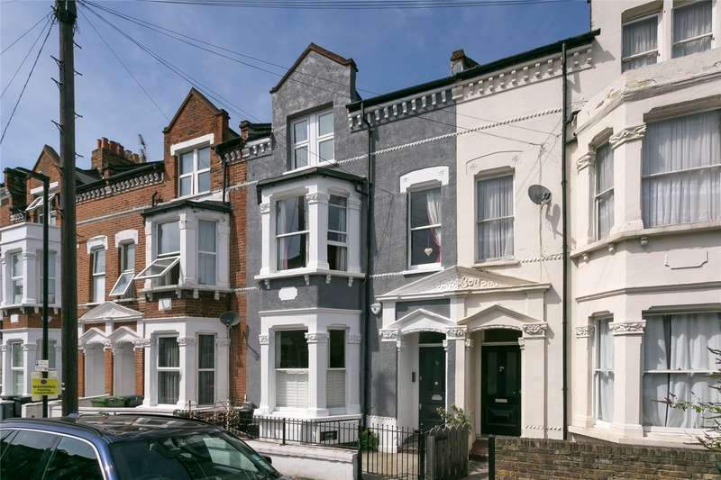 2 Bedrooms Flat for sale in Sandmere Road, London, SW4