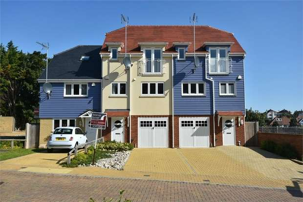 3 Bedrooms Terraced House for sale in Beach Walk, Broadstairs, Kent