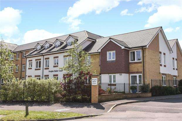 1 Bedroom Retirement Property for sale in Douglas Bader Court, Howth Drive, Reading