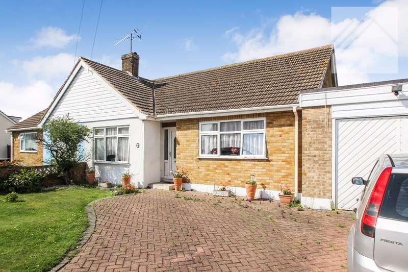 2 Bedrooms Bungalow for sale in Hawkesbury Road, Canvey Island - CALLING ALL GARDENERS