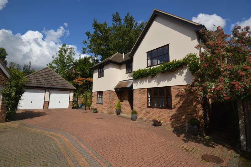 4 Bedrooms House for sale in 4 bedroom Detached House in Bocking
