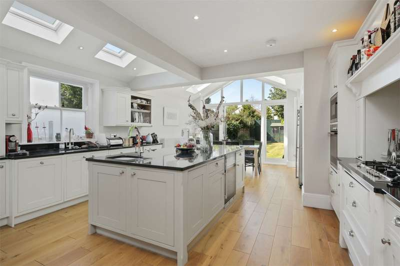 4 Bedrooms Semi Detached House for rent in Sedgeford Road, Shepherds Bush