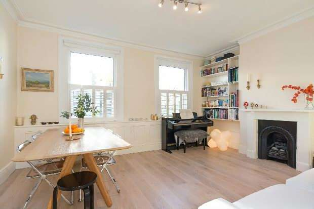 3 Bedrooms Flat for sale in Queens Crescent, Kentish Town, NW5