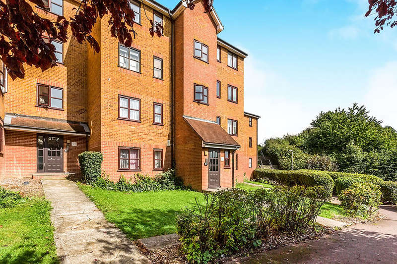 2 Bedrooms Flat for sale in John Williams Close, London, SE14