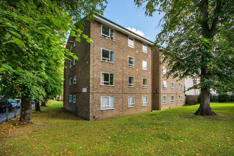 2 Bedrooms Flat for sale in Addiscombe Road, East Croydon, CR0