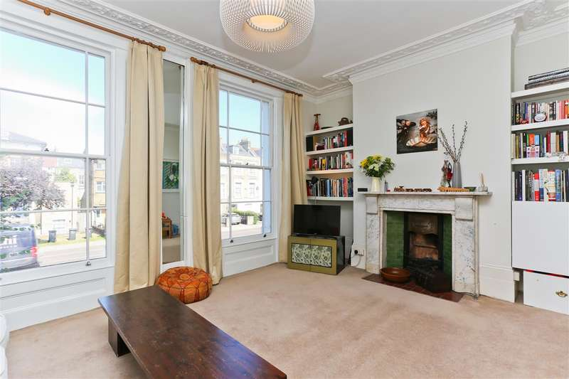 3 Bedrooms Flat for sale in Tollington Road, London