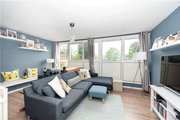 3 Bedrooms Flat for sale in Elder Road, West Norwood / Crystal Palace Border, London