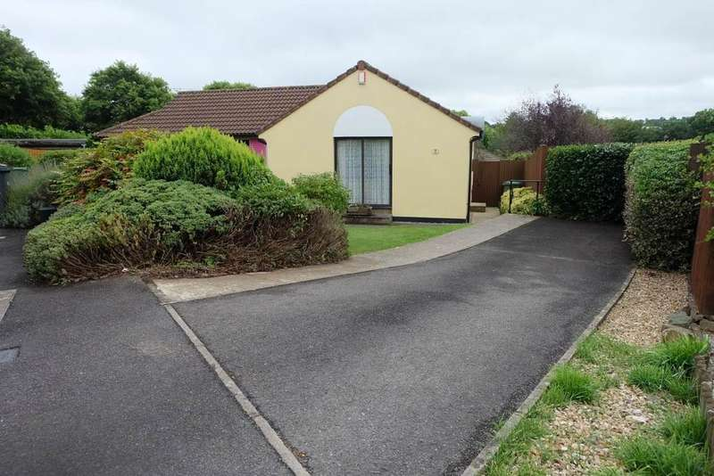 1 Bedroom Semi Detached Bungalow for sale in Roundswell, Barnstaple