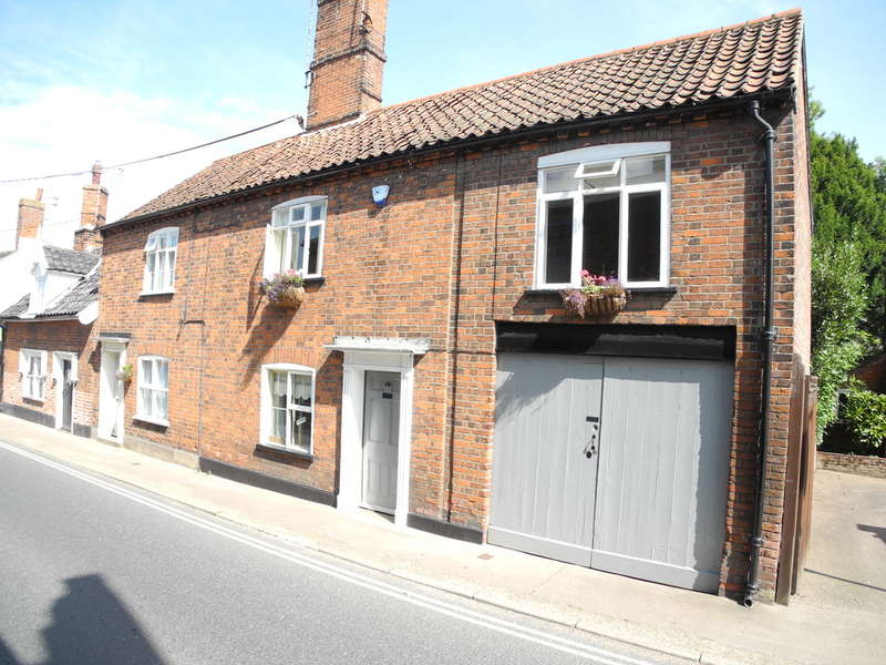 3 Bedrooms Semi Detached House for sale in Chaucer Street, Bungay